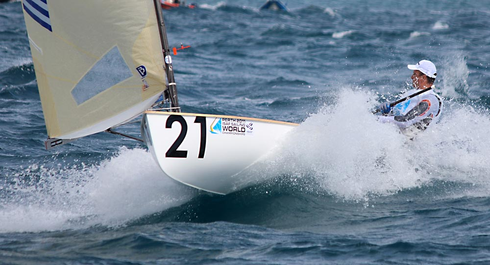 ioannis mitakis in race 8 pic-rdeaves