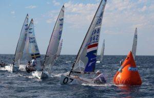 <b>Perth 2011 - Meister im Luftrudern - Ist das noch Segeln ?</b>