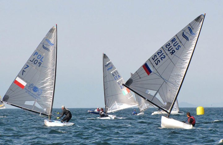 thursday-race-9-downwind-pic-finn-class