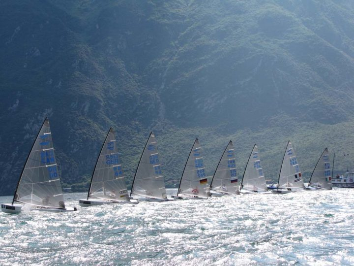 tuesday-silver-cup-start-race-4-pic-finn-class