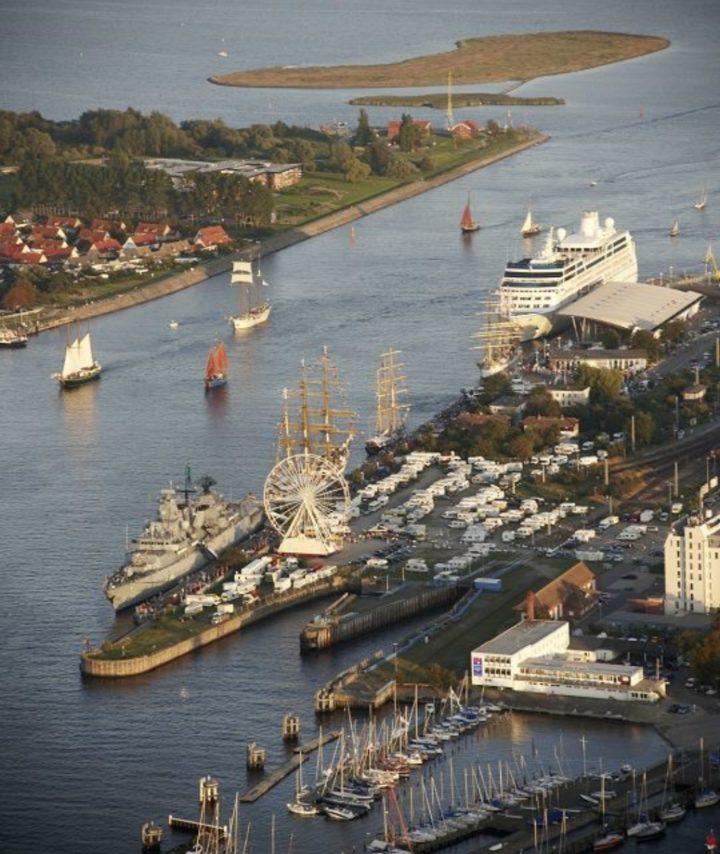 warnemunde-harbour-2-pic-hansestadt-rostock fotoagentur-nordlicht