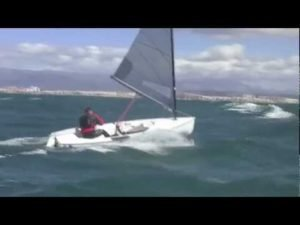 Bear off and capsize in a big breeze - Jonathan Lobert