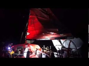 BREAKING NEWS: DONGFENG RACE TEAM BREAK MAST - CREW SAFE - 2015