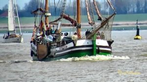 Schmack GESINE von PAPENBURG DCLD MMSI 211279790 Emden Segelschiff