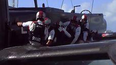 <b>Ainslie - schwerer Crash gegen die Japaner (Dean Barker)</b>